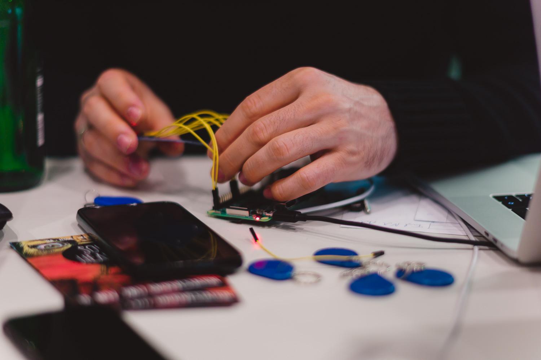 Überprüfung der Verbindung zwischen NFC-Moduls RFID RC522 und Raspberry Pi