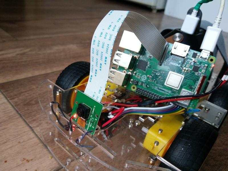 Foto von Raspberry Car mit Front Kamera
