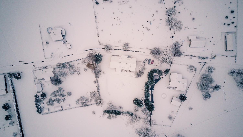Drohnenfoto des Ferienhauses in Žacléř